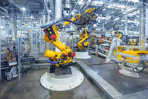 Industrieroboter in einer Fabrik