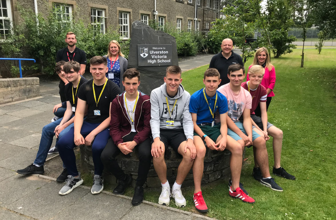 Bender UK joins forces with Oxley and Siemens to take on 8 UVHS summer students